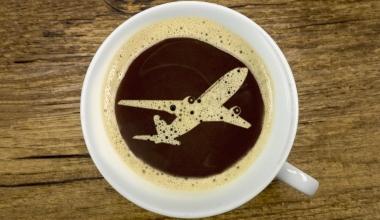 Fluggesellschaft muss Mädchen für Verbrühungen entschädigen