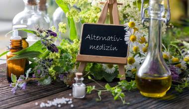 Alternativmedizin: Muss die Kasse die Kosten tragen?