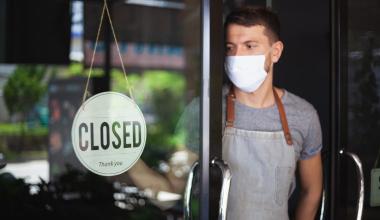Betriebsschließungsversicherung: Gericht gibt Gastwirt recht