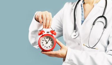 Unfallversicherung: Wann endet eine ärztliche Behandlung?