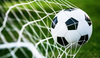 Fußballspieler Badstuber geht mit 1:0 vom Platz