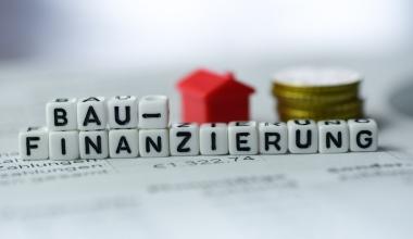 Deutsche nehmen immer höhere Summen für Immobilien auf