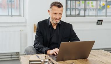 Honorarfinanz AG richtet sich mit Infoportal an Investmentberater