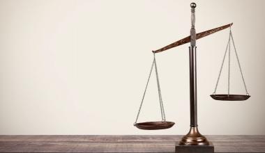 CHECK24 vs. HUK-COBURG: Versicherer kann zweimal punkten