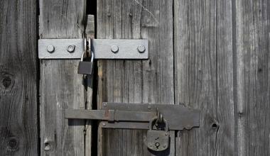 Haftpflicht: Hebamme doppelt versichert, Arzt haftet allein