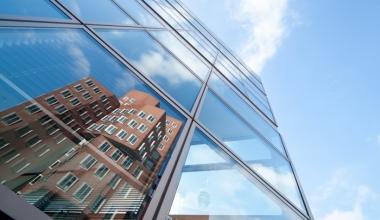 Warren Buffett startet Vertrieb von Industrieversicherungen in Deutschland