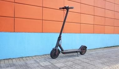 E-Scooter sollen künftig von Gehwegen verbannt werden