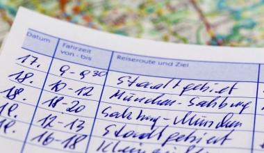 Fahrzeughalter muss 15 Monate Fahrtenbuch führen