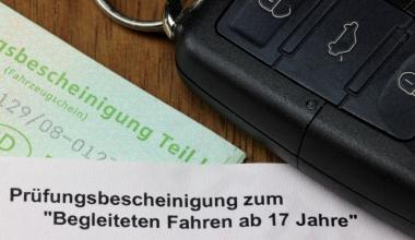 uniVersa: Kfz-Tarif mit familienfreundlichen Extras