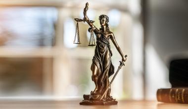 Provisionsbetrug: Vermittler kommen mit Bewährung davon