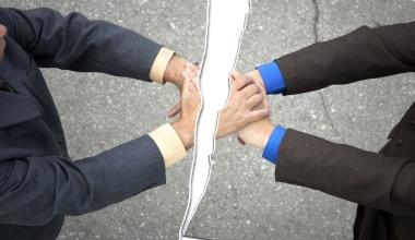 Es ändert sich nichts: Vertrauen in Versicherungsvertreter bleibt gering