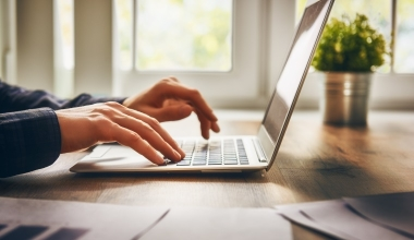 Jeder Dritte fühlt sich bei Online-Versicherung besser informiert