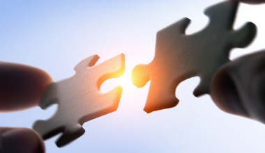 Ecclesia steigt bei Spezialmakler km credit consulting ein