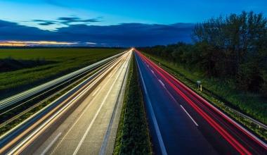 Unfallfahrer sind häufiger nachts zu schnell unterwegs