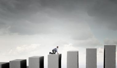 AO nimmt unabhängigen Vermittlern Marktanteile ab