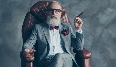 Pensionär bezieht gleichzeitig Gehalt als Geschäftsführer