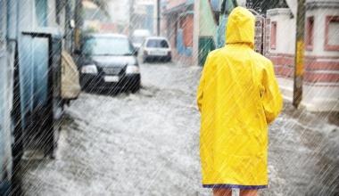 Hohe Schadenbilanz durch Hurrikans, Spätfrost, Stürme und Starkregen