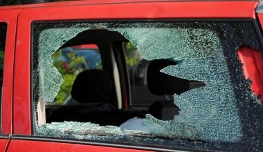 Krawalle am 1. Mai: Welche Versicherung kommt für Schäden auf?
