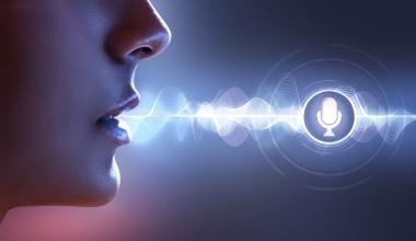 Sprachassistenten und Versicherung: Die Stimme aus der Software