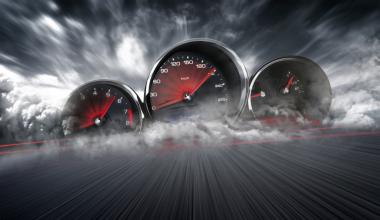 Kfz-Versicherung im Wechselturbo – Vergleichsportale und Online-Makler profitieren