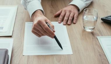 Betreuungspflichten des Maklers umfassen auch Vorversicherungen