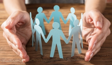 AXA bietet neue betriebliche Krankentagegeldversicherung