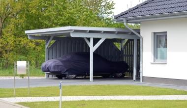 Deckt die Wohngebäudeversicherung ein überschwemmtes Carport?