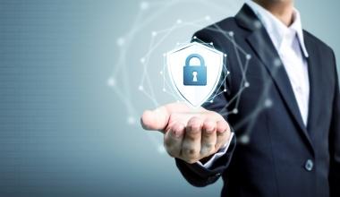 Auftraggeber setzen bei Dienstleistern IT-Versicherungen voraus