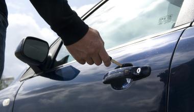 Diebstahl: Zahlt die Hausratversicherung bei nicht aufgebrochenem Auto?