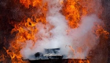 Brandschaden: Wann Vermieter sich an Wohngebäudeversicherung halten muss