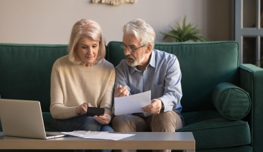 Wann Kindererziehungszeit zur Aufnahme in Rentner-KV berechtigt