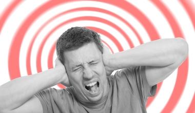 Unfallversicherung zahlt nicht bei Lautsprecherdurchsage im Möbelhaus