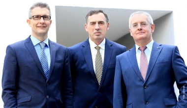 uniVersa bestellt Vorstand für weitere fünf Jahre