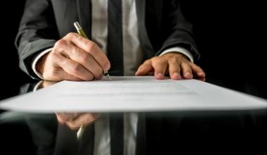 Gewerbekunden: Versicherungsabschlüsse immer häufiger über Makler