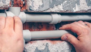 Wohngebäudeversicherung: Wann liegt ein Wasserrohr im Gebäude?