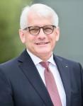 Dr. Theo Hölscher