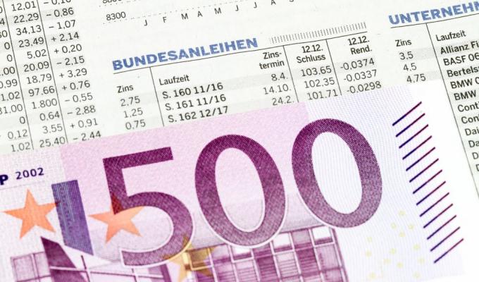 """<a href=""""//asscompact.de"""">Kantar</a> TNS hat im Auftrag des Verbands der Privaten Bausparkassen mehr als 2.000 Bundesbürger im Alter von über 14 Jahren nach ihren Anlagelieblingen befragt. Platz 10 belegen dabei festverzinsliche Wertpapiere wie etwa Bundesanleihen. Nur jeder Zwanzigste zählt sie zu den favorisierten Geldanlagen."""
